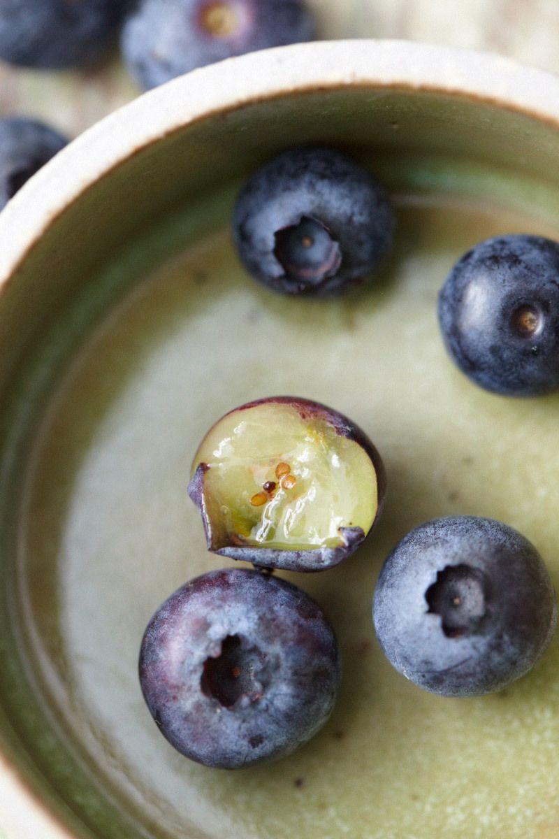 1s_blueberries_20120802_417.jpg