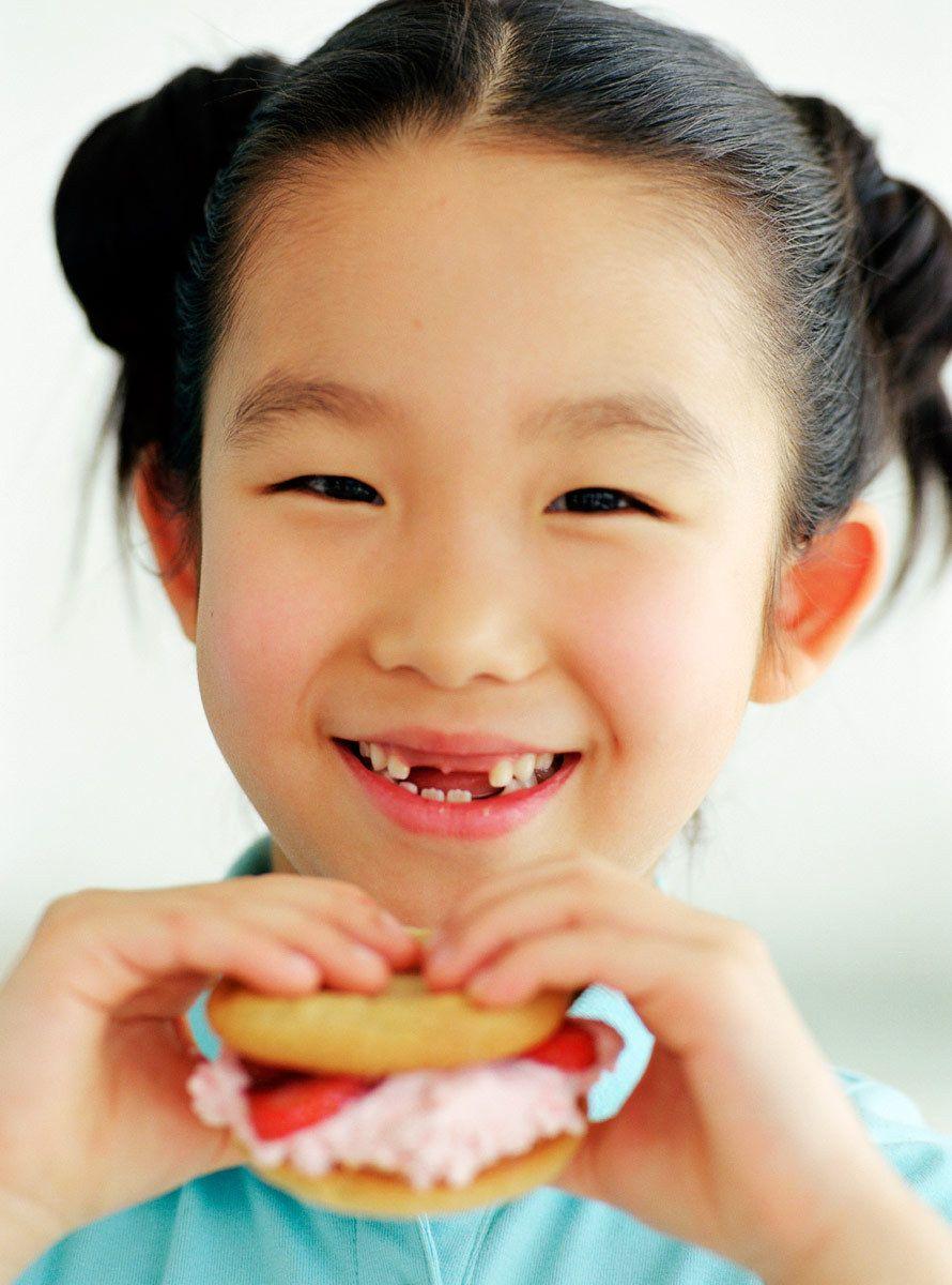1girl__strawberry_sandwich.jpg