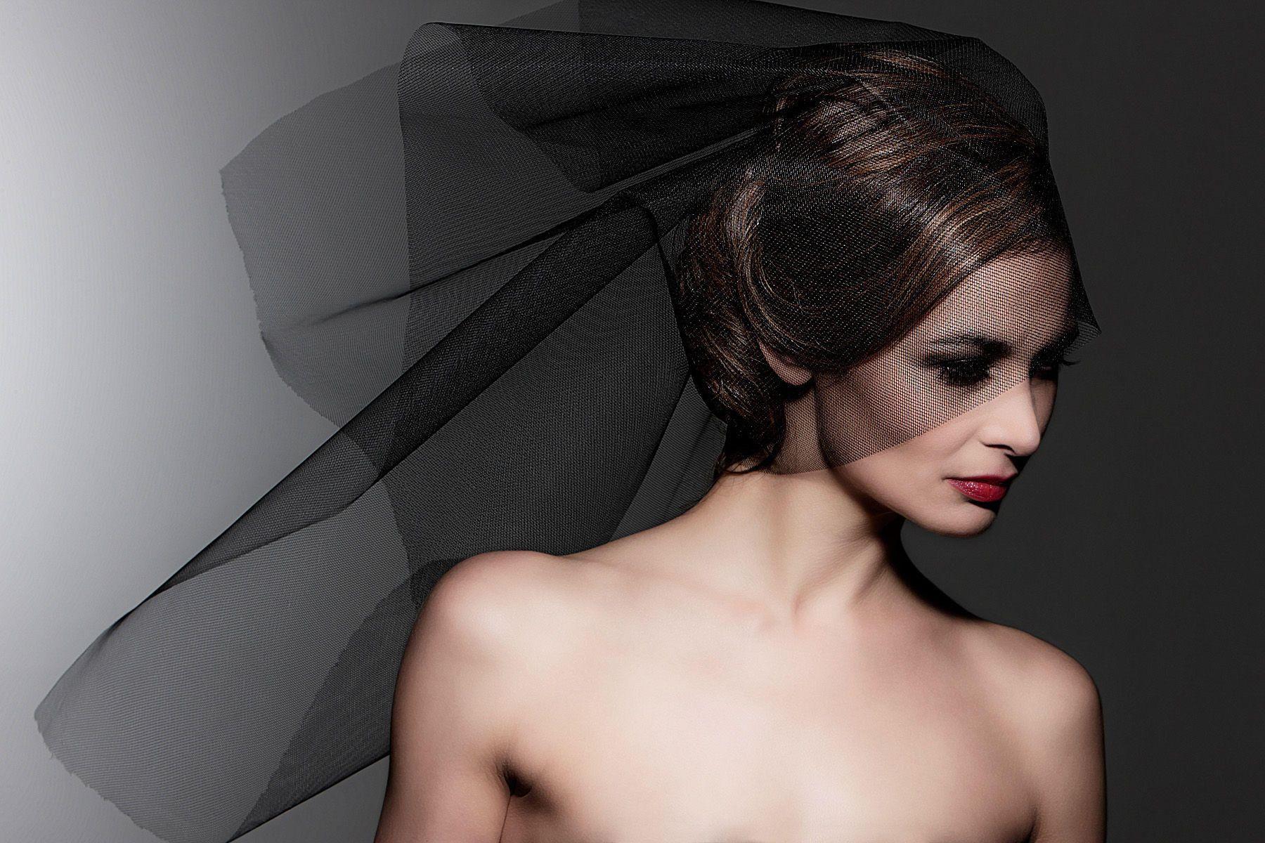1brian_demello_photography_advertising_product_food_liquids_beverage_portrait_beauty_athletic_sports_0421_aj_189_copy.jpg
