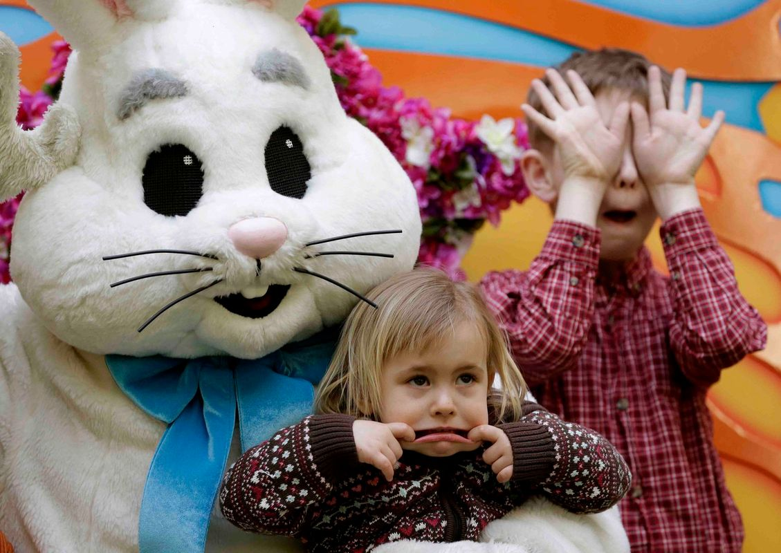 1easter_bunny_1w.jpg