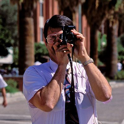 060514161645_100524_university_of_arizona_police_detective_with_camera_attempting_intimidation_cropped_400x400.jpg