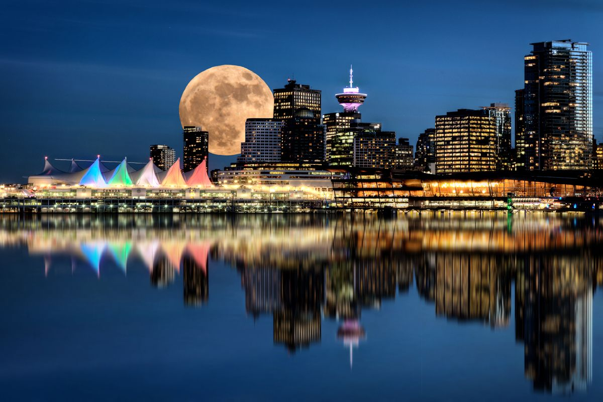 Vancouver Night Skyline.jpg