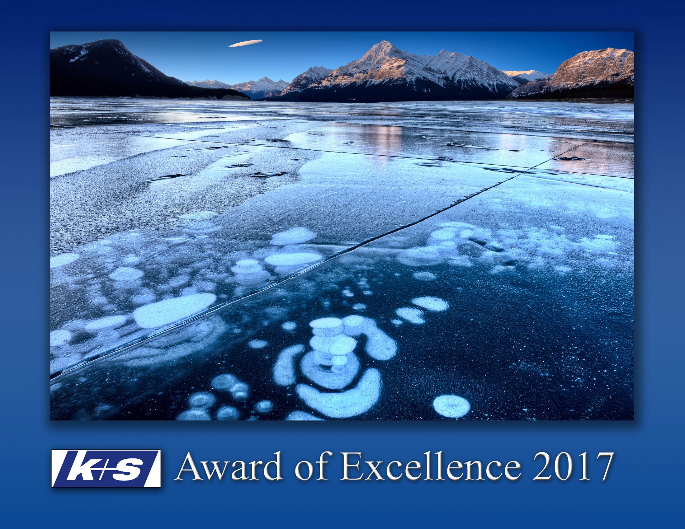award plaques gradiant2.jpg