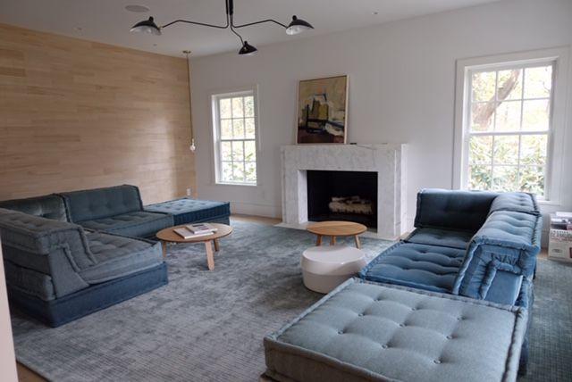 Living Room Photo 2.jpg