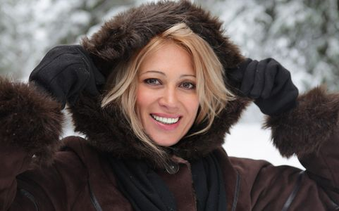1Portrait_of_a_smiling_woman_in_Winter.jpg