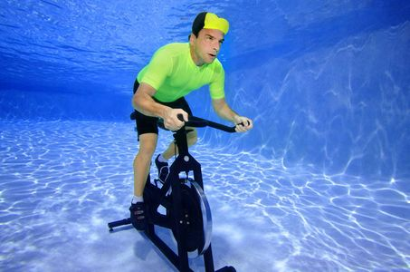 1Man_bike_spinning_underwater.jpg