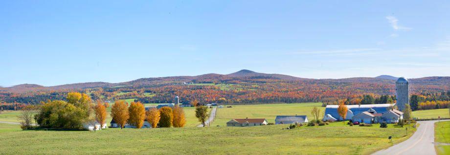 1new_england_fall_panoramic_farm_72.jpg