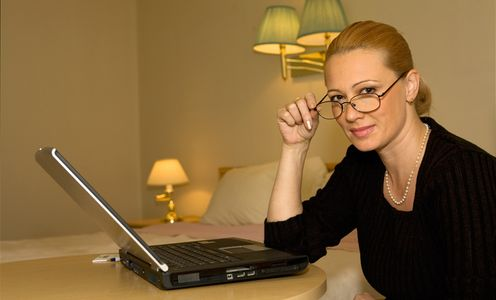 1Portrait_of_a_business_woman_in_a_hotel_room.jpg