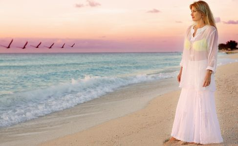 1Peaceful_walk_on_the_beach_at_sunset.jpg