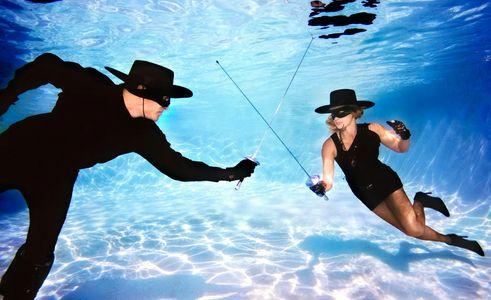 1Zoro_sword_fighting_underwater.jpg