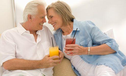 1Flirtatious_senior_couple_with_drinks.jpg