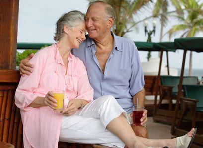1Romantic_senior_couple_at_a.jpg