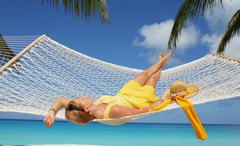 1Relaxing_in_a_hammoch_on_tropical_beach.jpg