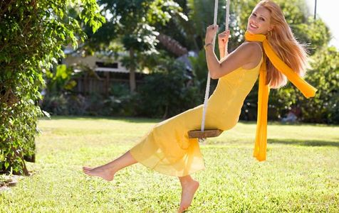 1Girl_in_a_Spring_dress_on_a_swing.jpg