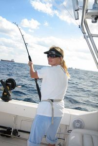 1Woman_deep_sea_fishing.jpg