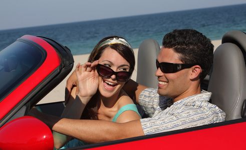 1Couple_on_vacation_in_a_convertable.jpg