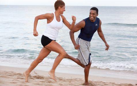 1Couple_running_on_the_beach.jpg