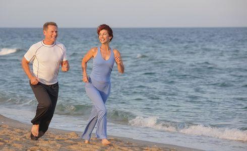 1Baby_boomer_couple_jogging_.jpg