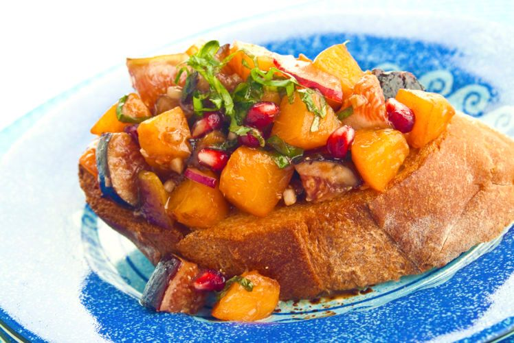 lisa bishop food stylist- apricot fig brushetta