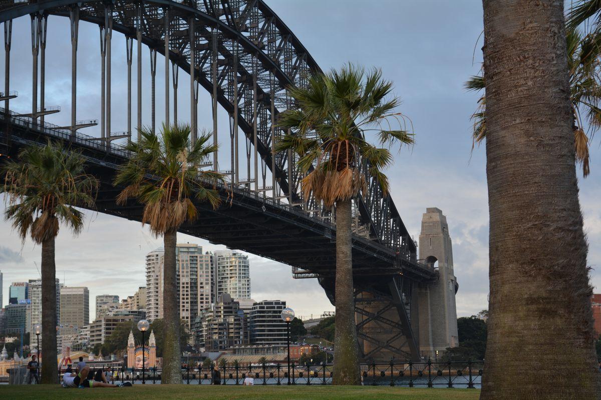 SydneyBridge.jpg