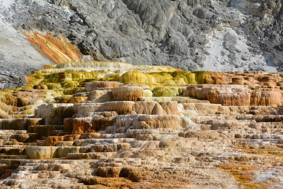YellowstoneSulphur.jpg