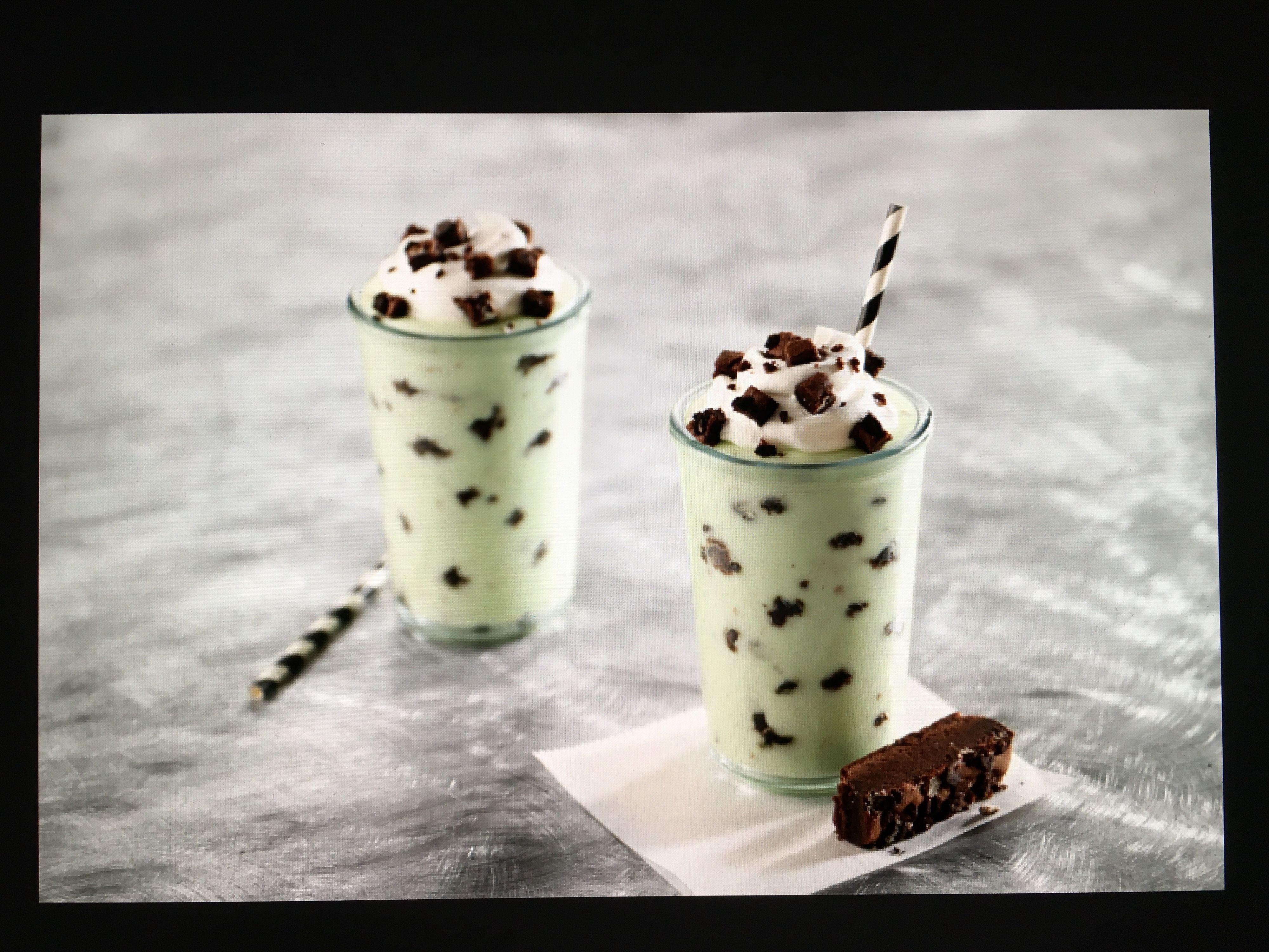lisa bishop food stylist- mint brownie shakes
