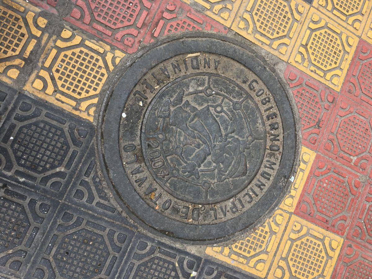 EcuadorOtavaloStreet.jpg