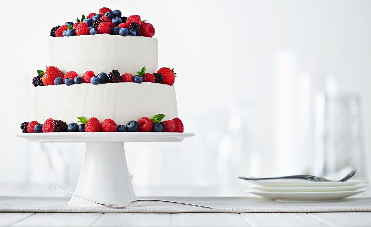 lisa bishop food stylist- Simple Mills Cake with Berries