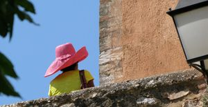 1fr_rousillon_hat_1