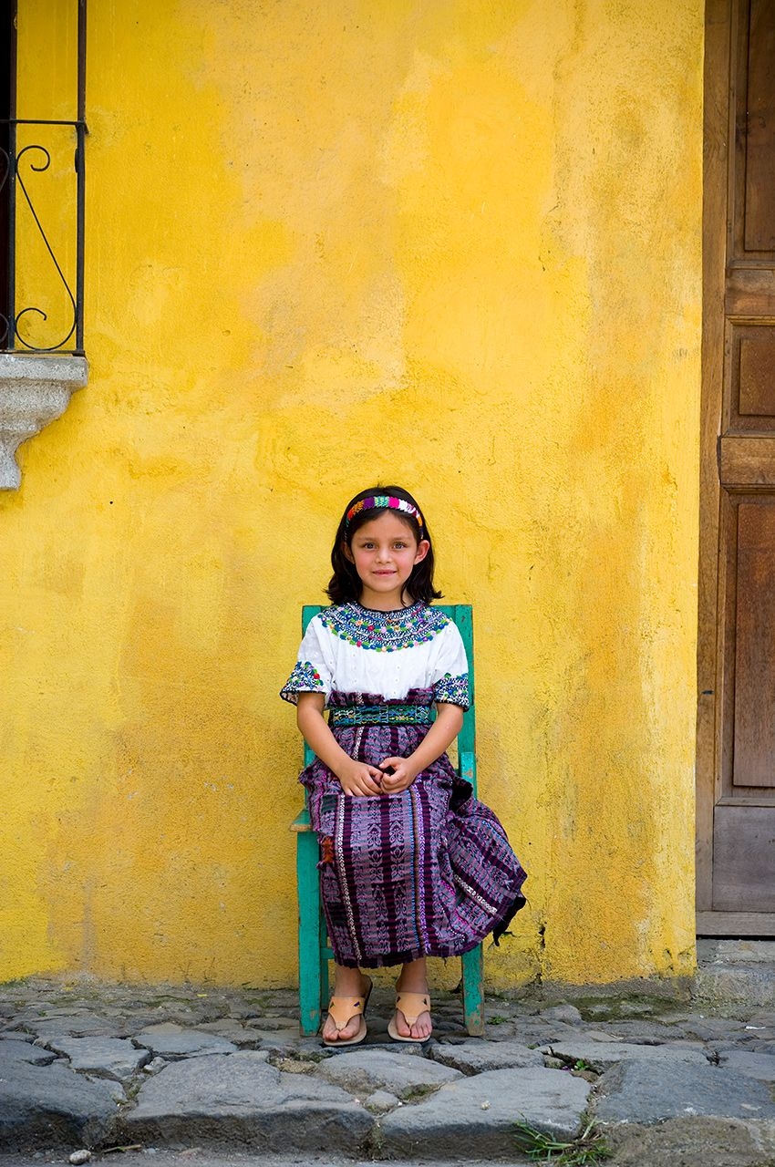 guatemalan-girl-green-chair_K5T7168.jpg