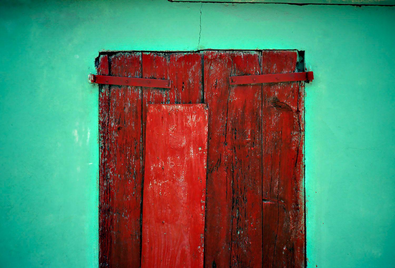 Green Wall, Red Door