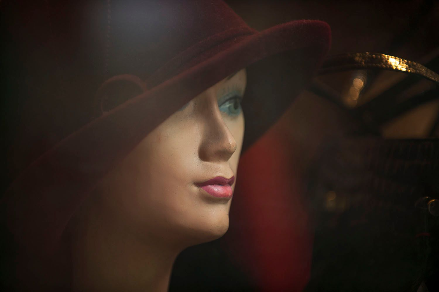 Head of Female Mannequin with Hat
