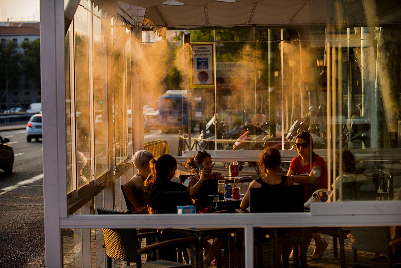 Cafe exterior misting system