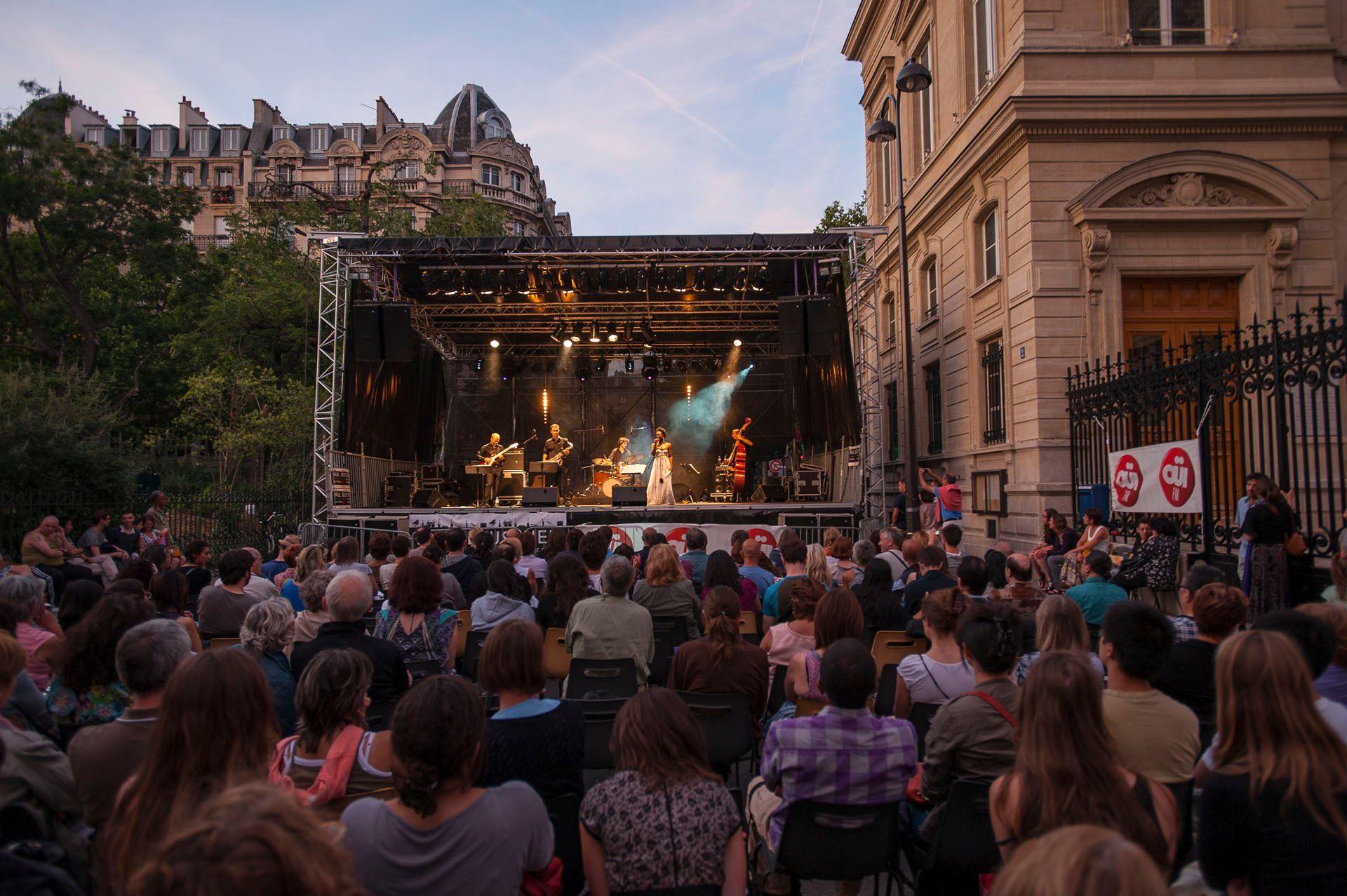 Live outdoor concert. Paris, France