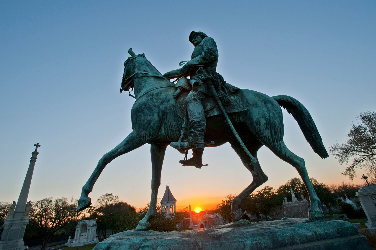 Memorial statue for the Army of Northern Virginia; Louisiana Div