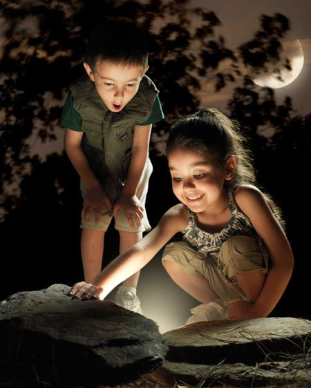 11-Kids_Moon.jpg