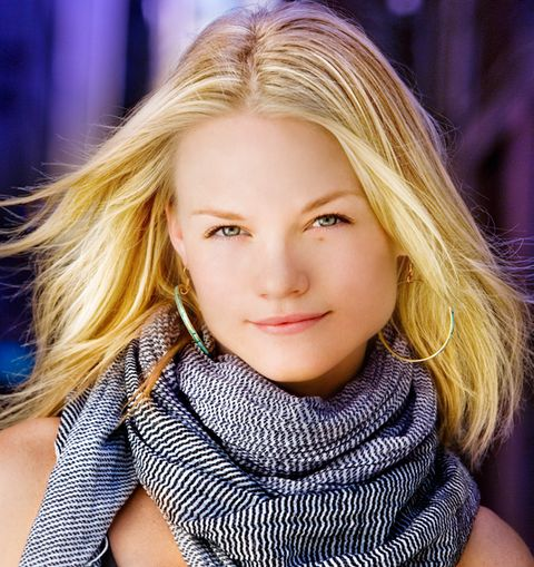1_0_412_1lindsaypulsipher_trueblood_williamcolephoto_570_c_web_2.jpg
