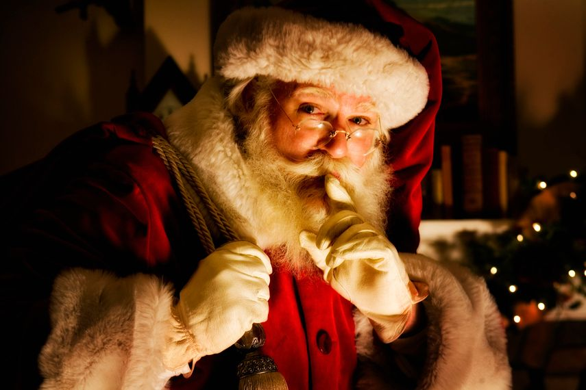 1_0_76_1santaclaus_williamcollephoto_close.jpg