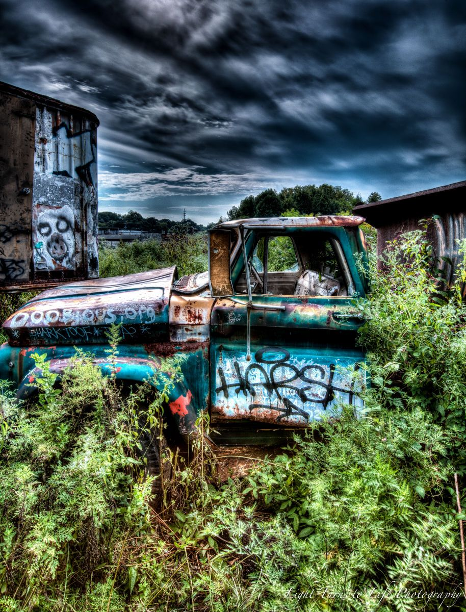 1r20120826__1208_old_truck_and_flowers_08_25_12_108_09_10_11_12_13_edit120826copyright_2011_vinson_smith