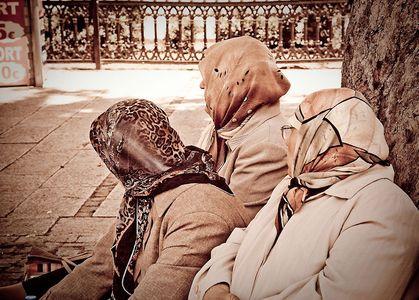 1LB_TurkishWomen.jpg