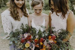 Linnea_Chas_Wedding_Red_Pine_Lodge_Park_City_Mountain_Resort_Park_City_Utah_Bride_Bridesmaids_Holding_Bouquets.jpg