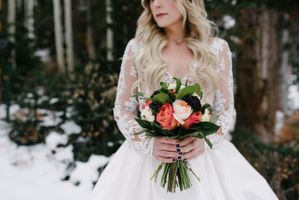 Brides Winter Bouquet in the Park City Mountains