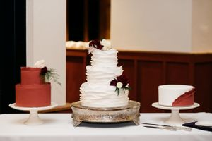 Wedding cakes burgundy and white