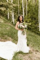 Mountainside Bride with bouquet