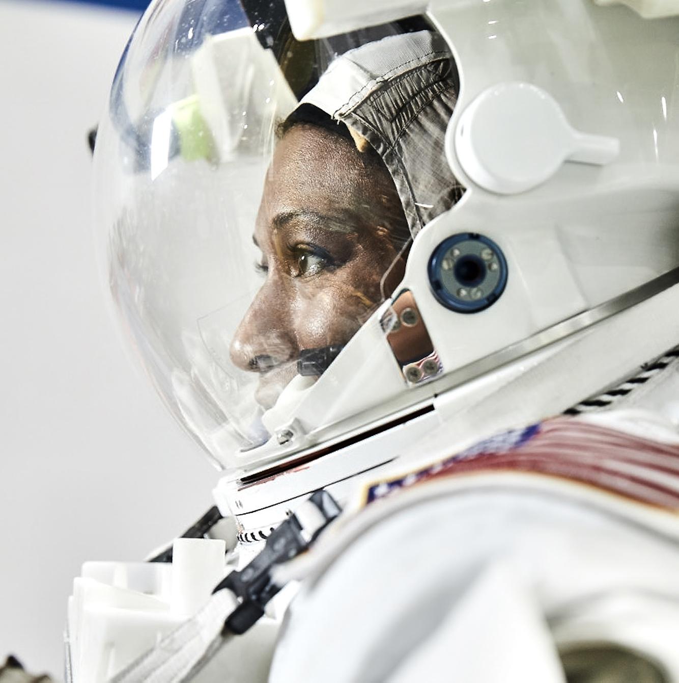 NASA_+05_1295-2.jpg