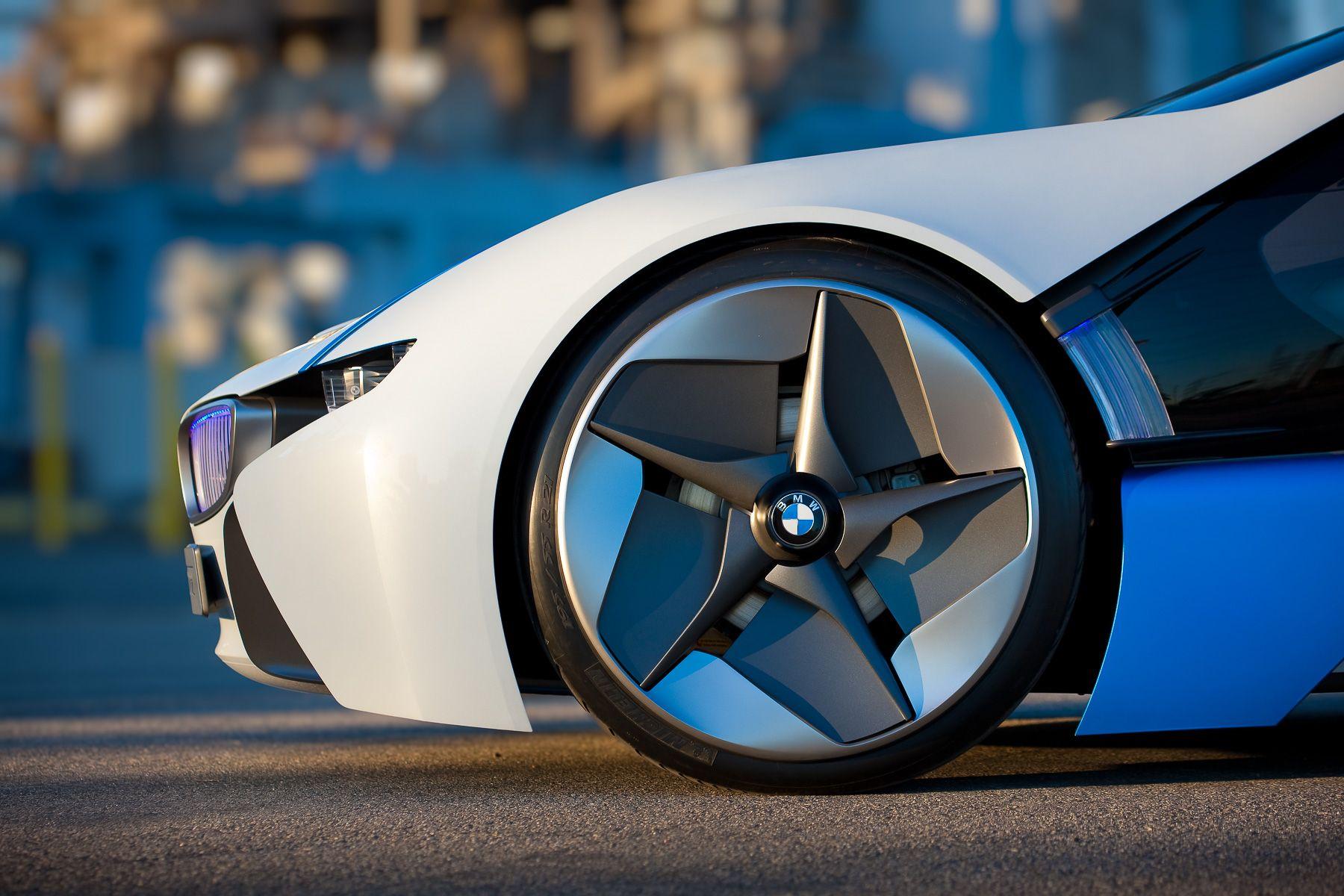 R&T-BMW-0617.jpg