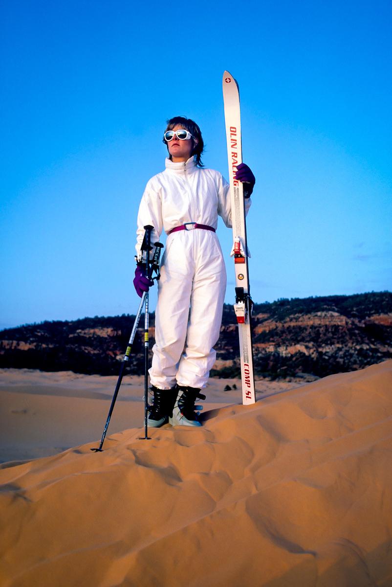 Leelee sand skiing