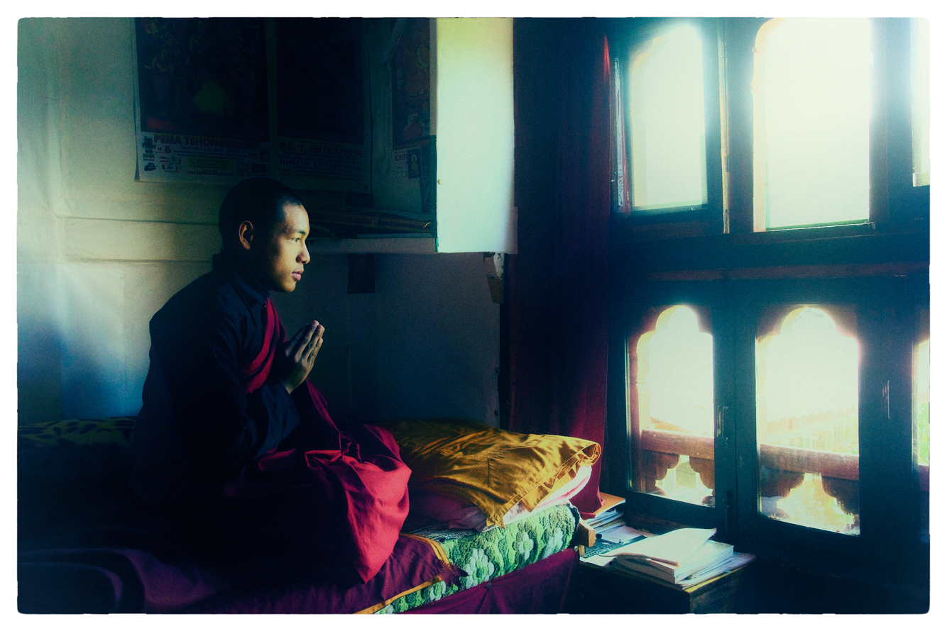 pictures of monks praying