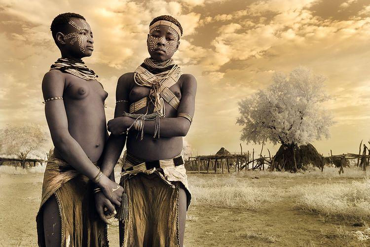 Holding Hands - Kara Tribe