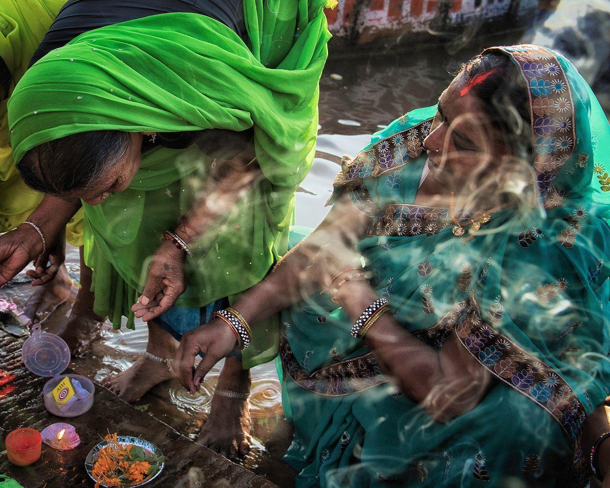 Varanasi smokey lady.jpg